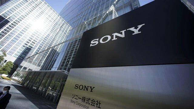 Japon teknoloji devi Sony, kullanıcılarının isyanına kulak verdi ve önümüzdeki dönem çerçevesiz ekran tasarımına geçmeyi planlıyor.