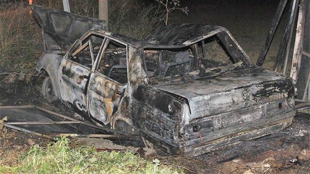 Alev alev yanan araç küle döndü.