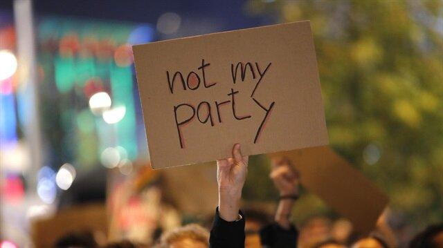 Almanya'da ırkçı parti AfD'ye protesto