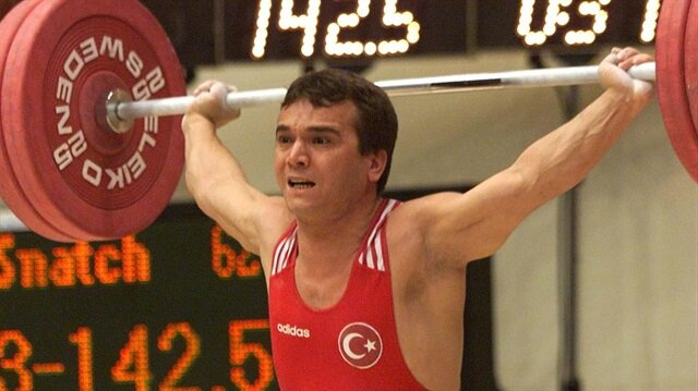 Naim Süleymanoğlu.