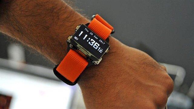 2 Türk mühendis, 3 ay gibi kısa sürede ürettikleri akıllı saati dünyanın dört bir yanına satıyor.