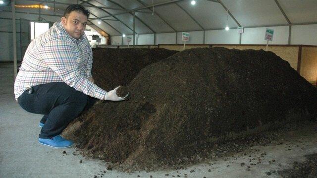 Kahramanmaraşlı girişimci, solucanlardan organik gübre üretiyor.
