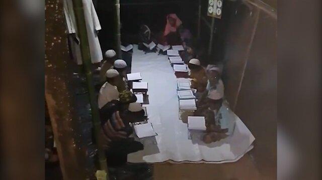 Arakanlı çocukların Kur'an-ı Kerim öğrenme azmi