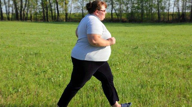 Egzersiz yapmak ve un, şeker, yağdan uzak durmak kalp sağlığını koruyor.