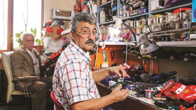 67 yaşındaki oyuncak tamircisi Mustafa Nacar: Oyuncaklarla ilk biz oynarız