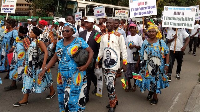 Marjinal bazı grup ve aktivistlerin de protesto gösterilerine katılmasıyla siyasi kriz tırmanmış, bölgenin federal hale getirilmesi istenmişti.