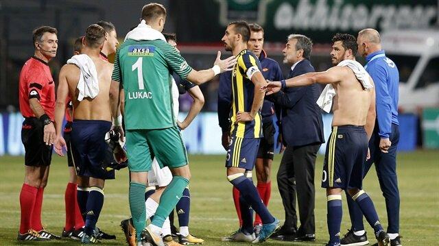 Fenerbahçe, Akhisar'a deplasmanda 1-0 mağlup oldu.