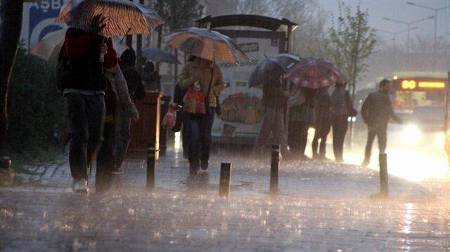 Meteoroloji, Karadeniz'in doğusu ve Doğu Anadolu bölgesi için sağanak yağış uyarısı yaptı.