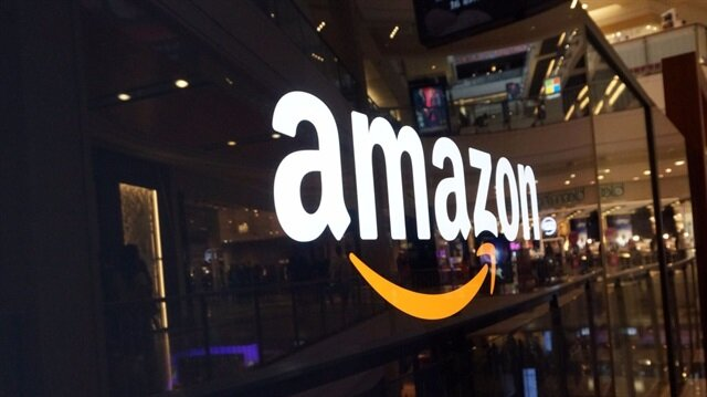 ABD'de yaşayan bir çift e-ticaret devi Amazon'un bozuk ürün politikasından yararlanarak firmayı 1.2 milyon dolar dolandırdı.