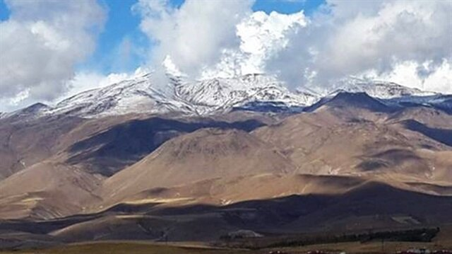 Süphan Dağına mevsimin ilk karı yağdı-Bitlis haber