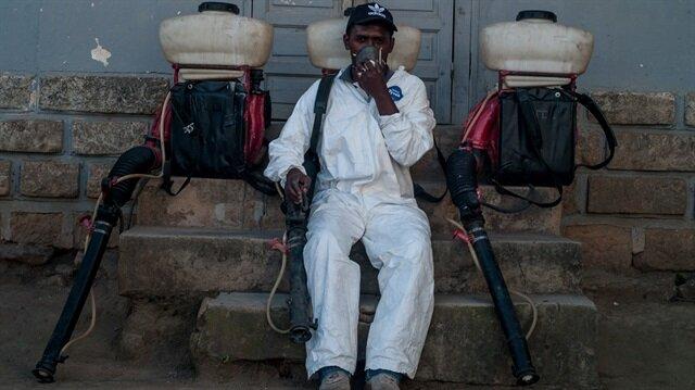 Madagaskar'daki veba salgını sebebiyle sağlık görevlileri önlem alıyor.n