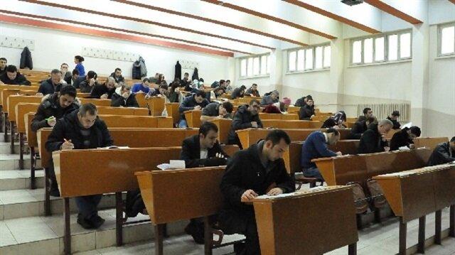 Ankara'da TED 200 yeni öğrenciye burs verecek.