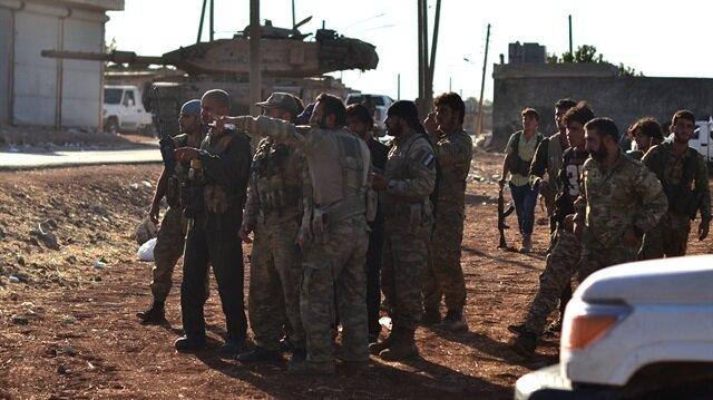 İdlib'te oluşturulması planlanan çatışmazlık bölgesi için Türk Silahlı Kuvvetleri ve Özgür Suriye Ordusu harekete geçti.