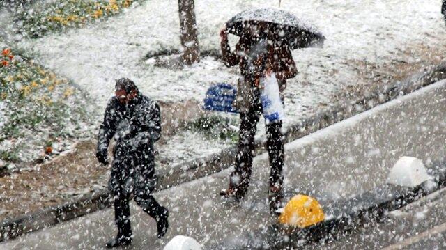 Meteorolojiden bazı bölgelere kar yağış uyarısı yapıldı.