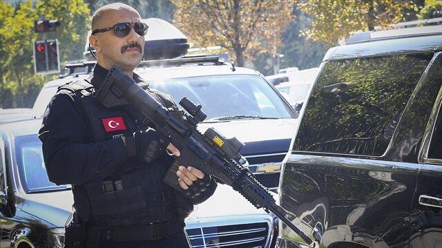 Cumhurbaşkanı Erdoğan'ın koruma ekibi yerli silah kullanmaya başladı.