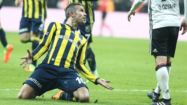 Fenerbahçeli futbolcu Robin van Persie, geçtiğimiz sezon oynanan Beşiktaş maçında tepki çeken hareketlere imza atmıştı.