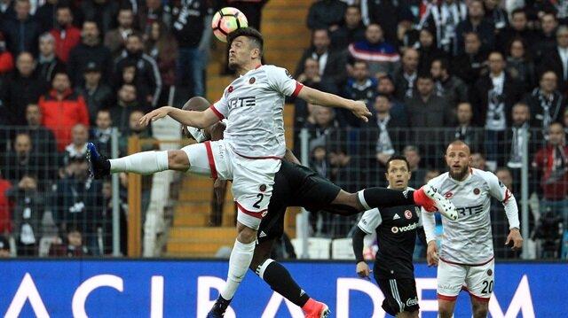 Gençlerbirliği Beşiktaş canlı skoru ve canlı maç anlatımı Yeni Şafak Canlı Skor sayfasında.