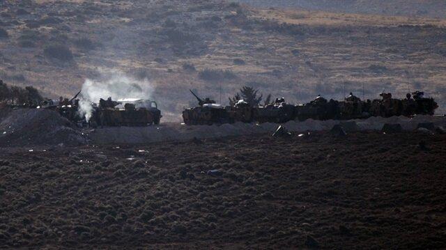 Komandolar, askeri araç, ambulans ve konteynerler, sınır hattına konuşlandırıldı.