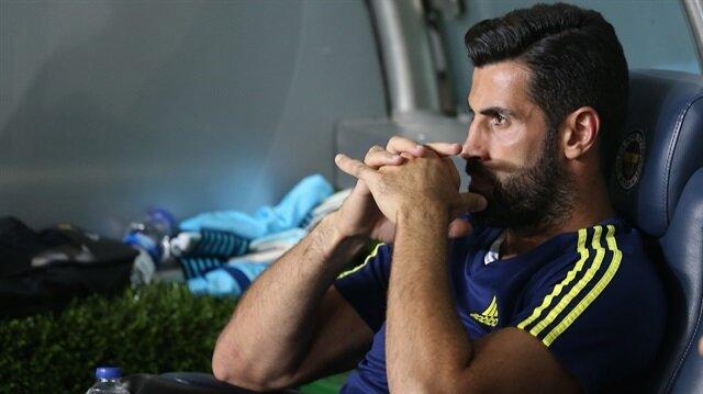 Bu sezon Fenerbahçe formasıyla 6 resmi maça çıkan Volkan Demirel'in Galatasaray derbisinde yedek kulübesinde olması bekleniyor.