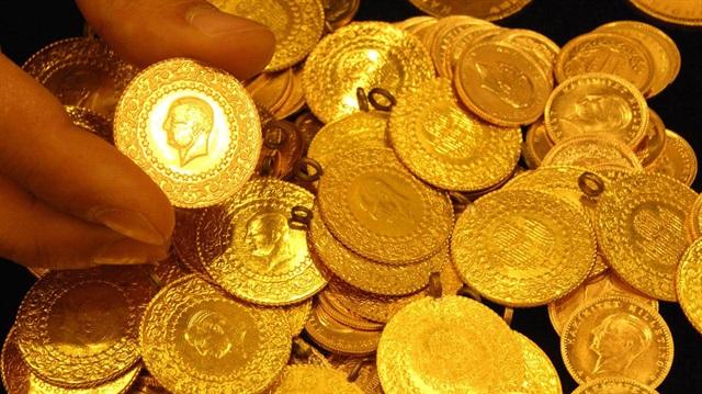 Cumhuriyet altınlarını oyup içini pirinçle doldurdular