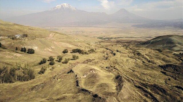 US researcher looks for Noah's Ark in eastern Turkey