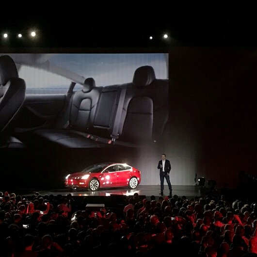 Tesla's seat strategy goes against the grain...for now