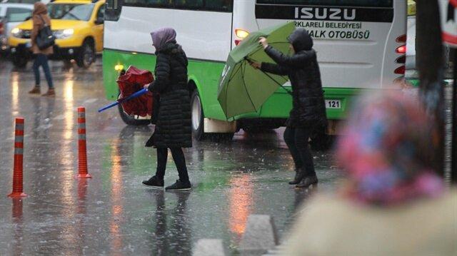 Kırklareli'nde 3 gündür devam eden sağanak yağışın, gün içerisinde etkisi kaybetmesi bekleniyor.
