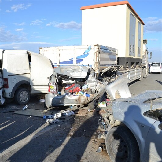 Aksaray'da zincirleme trafik kazaları: 15 yaralı