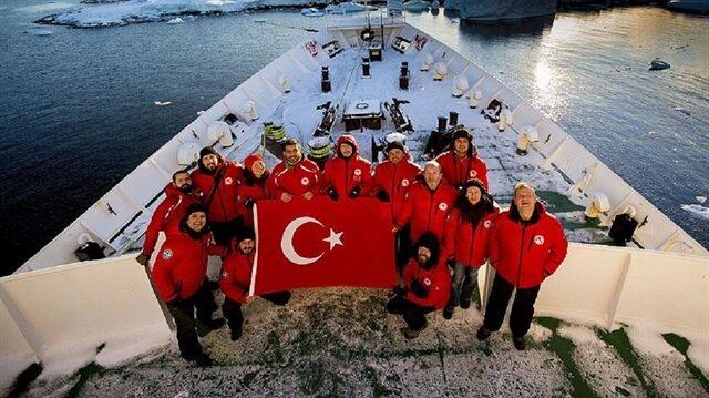 Antarktika'ya ilk bilim seferinin 24 Şubat-4 Nisan 2017 tarihlerinde 9 bilim insanının katılımıyla gerçekleşmişti.