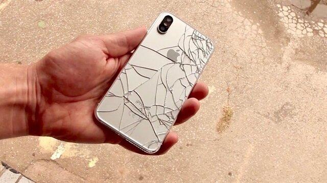 iPhone X'un 64 GB hafızaya sahip modeli ülkemizde 6.099 liradan satışa sunulacak.