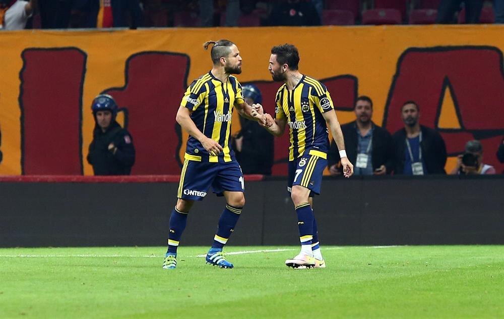 Diego Ribas'ın Galatasaray derbisinde Gökhan Gönül'le tartışması Brezilyalı futbolcunun sarı lacivertlilerden ayrılık sürecinin başlangıç noktası olmuştu.