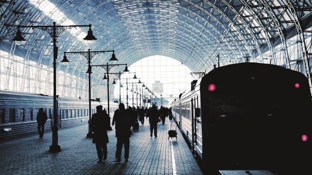 Fransız yazar, Jean-Paul Didierlaurent, ilk romanı olan 6.27 Treni'nde, gündelik hayatın tekdüzeliğini