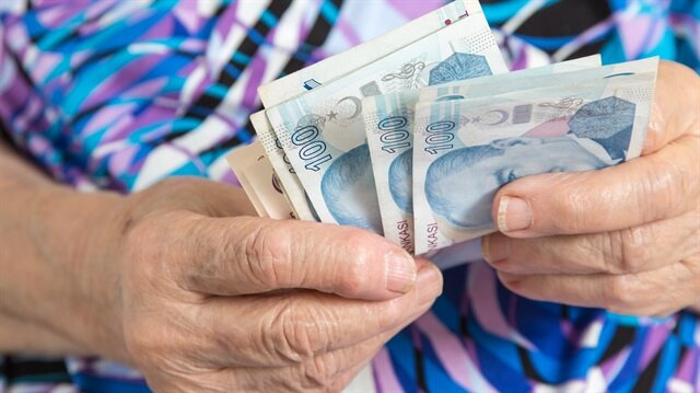 Kadınlara çift maaş