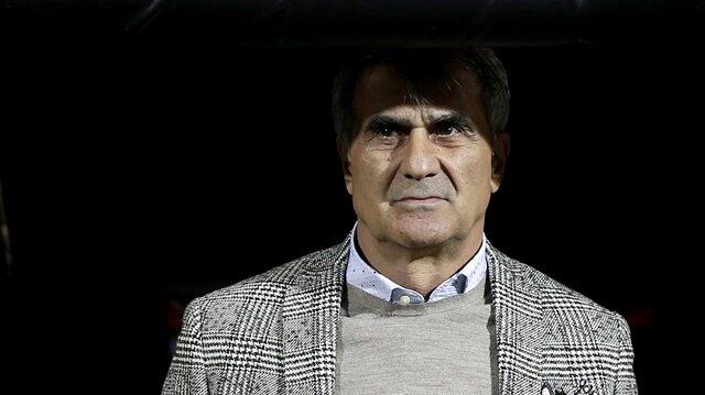 Şenol Güneş bu sezon Beşiktaş'ın başında çıktığı 16 resmi maçta 9 galibiyet, 4 beraberlik ve 3 yenilgi aldı.