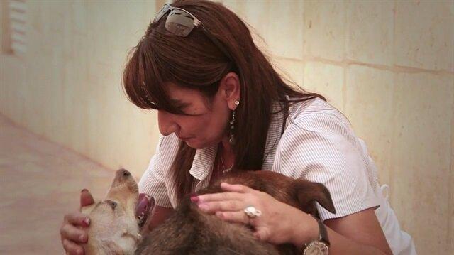 Hayatını köpeklere adayan kadın: Filistinli Diana