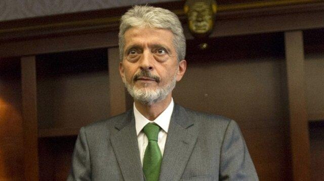 Yeni başkan Mustafa Tuna belediye yöneticilerinin istifasını istedi