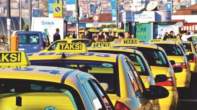 Emniyet Genel Müdürlüğü'nün yayınladığı genelge kapsamında taksilerde görüntü kaydının alınmasını zorunlu hale getirildi.