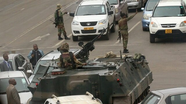 Zimbabve askeri hareketlilik devam ediyor