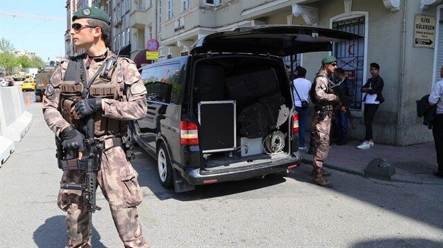 İstanbul Emniyet Müdürü Mustafa Çalışkan'ın koordine ettiği operasyon başladı.