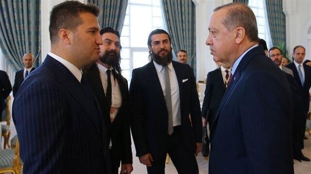 Cumhurbaşkanı Erdoğan, Diriliş Ertuğurul dizisinin ekibiyle sohbet etti.