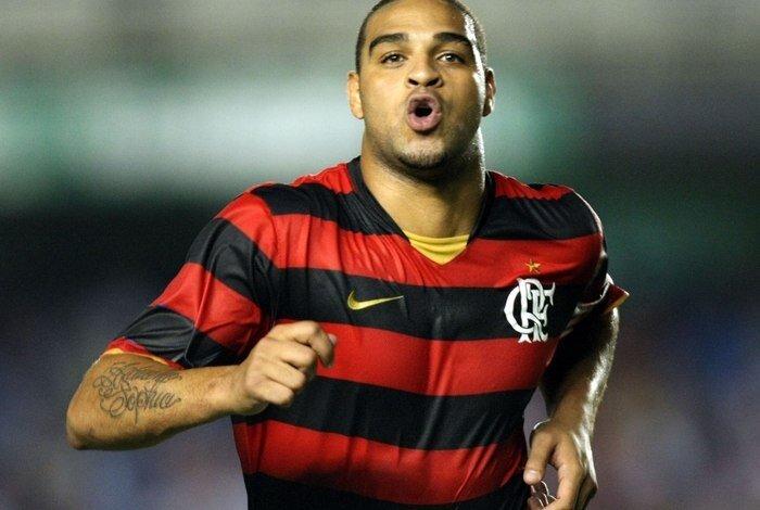 35 yaşındaki Adriano, 2012-2014 yıllarında da Flamengo forması giymiş ancak etkili olamamıştı.