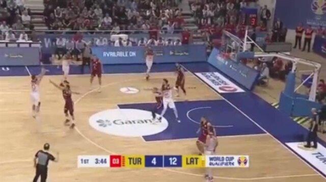 Amazing performance from shooting guard Melih Mahmutoğlu