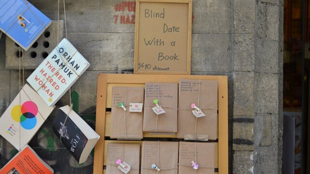 Istanbul bookstore offers readers blind date