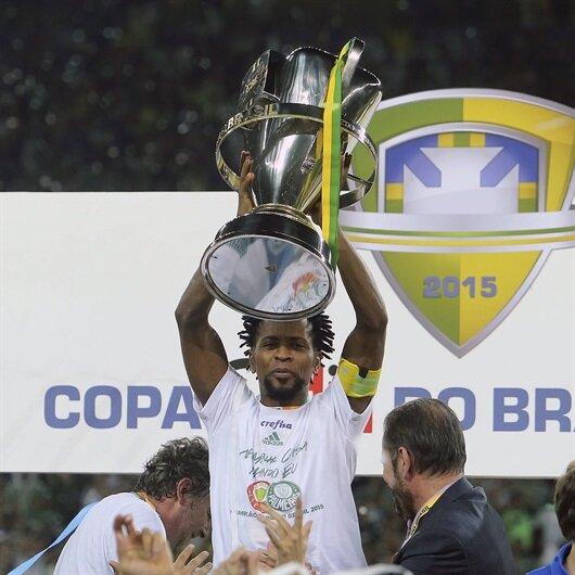 Ze Roberto futbol kariyerine son veriyor