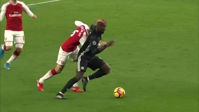 Nefes kesen derbide United güldü: Arsenal 1-3 Manchester United