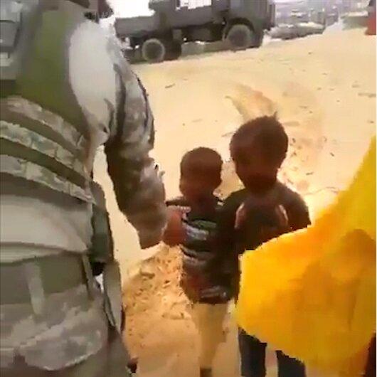 Somalili çocukların Türk askeriyle karşılaştığı o an...