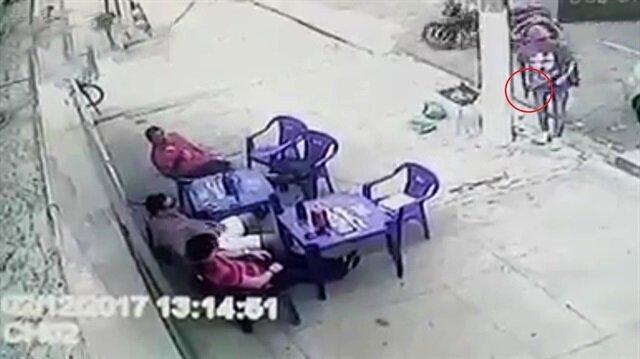 Akıllı ve hızlı polis ölümden böyle kurtuldu!
