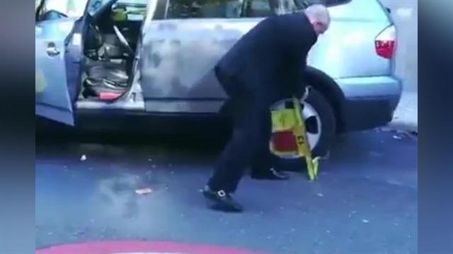 Yaşlı adamdan ders gibi araç kurtarma  yöntemi