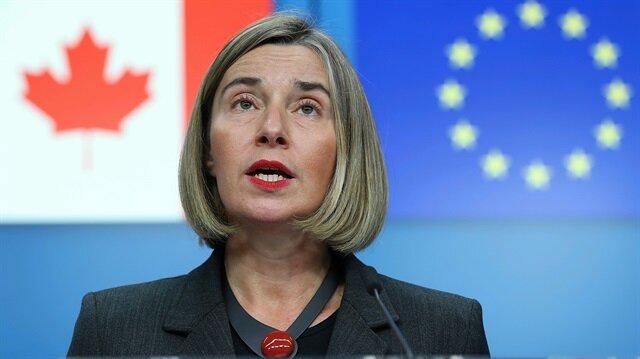 AB Dış İlişkiler ve Güvenlik Politikası Yüksek Temsilcisi Mogherini açıklamalarda bulunurken..