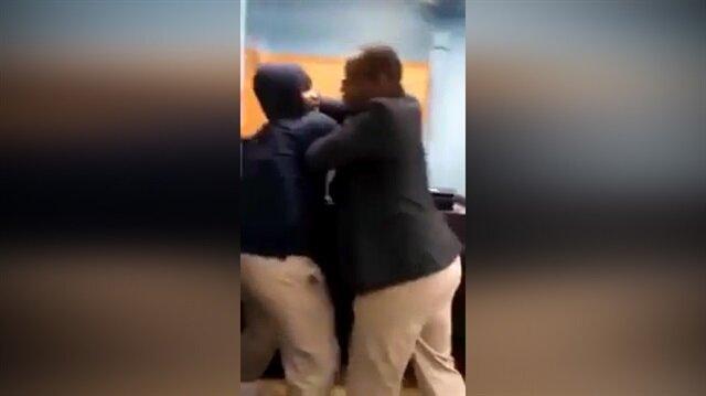 Öğretmen ve öğrencinin tekme tokat kavgası kamerada